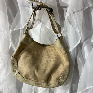 Dooney & Bourke cream small shoulder purse